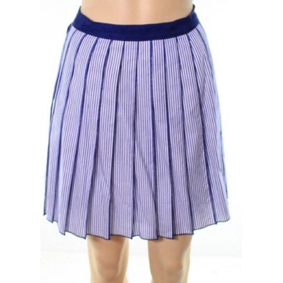 Vineyard Vines Dresses & Skirts - Vineyard Vines Blue and White Skirt